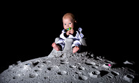 JJ on the Moon (WEB)-2